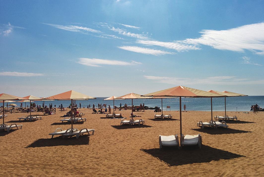 Пляжи Крыма песочные - Пляж около Феодосии