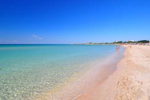 Крымские песочные пляжи: где отдохнуть лучше?