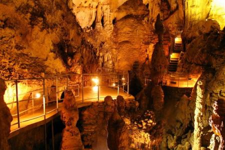 Достопримечательности Крыма: Мраморная пещера и ее расположение, а так же прочие знаменитые места региона