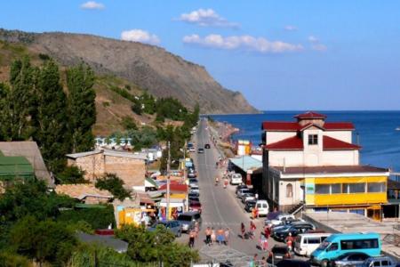 Чем привлекает достопримечательность Крыма - поселок Морское?