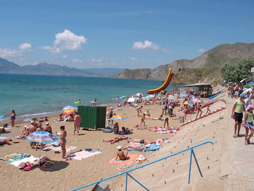 Пляж посёлка Орджоникидзе.