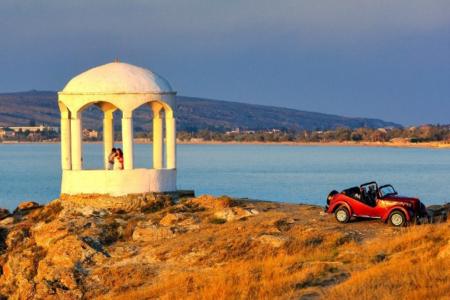 Современные достопримечательности поселка Щелкино в Крыму
