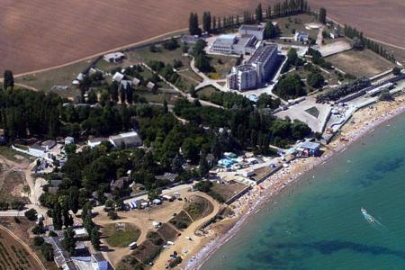 Удивительное рядом – поселок Угловое, Крым