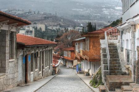 Гурзуф – современный курорт Крыма с интересными достопримечательностями
