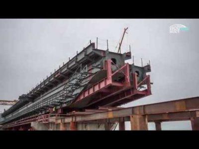 Надвижка ж/д пролетов Крымского моста.