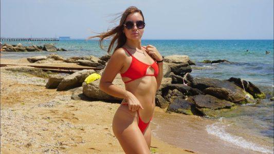 Лучший Пляж Крыма! ЗОЛОТЫЕ пески в Феодосии Удивляют!